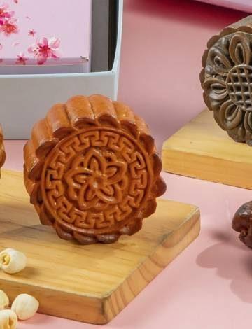mooncakes-by-raffles