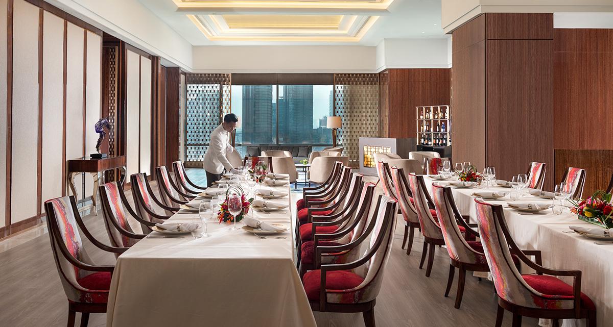 Raffles Jakarta - The Dining Room